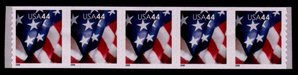 US Stamp #4393 MNH – US Flag – Coil Strip of 5